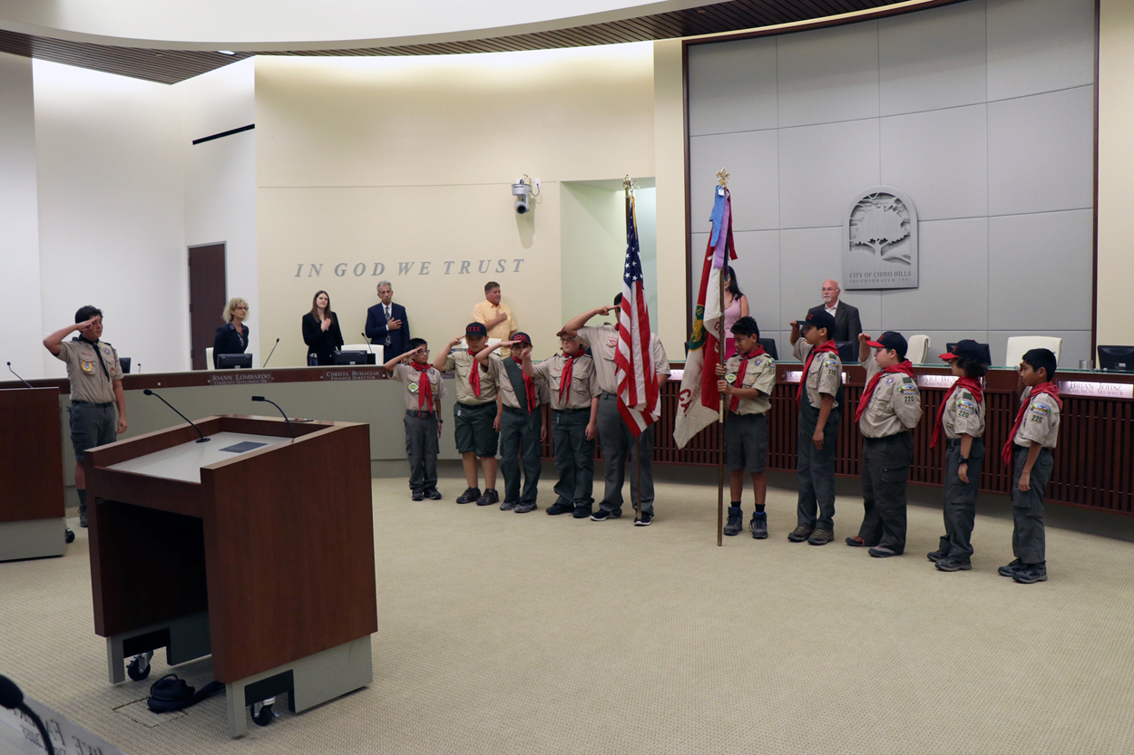 Boy Scouts Pack 220 Pledge of Allegiance