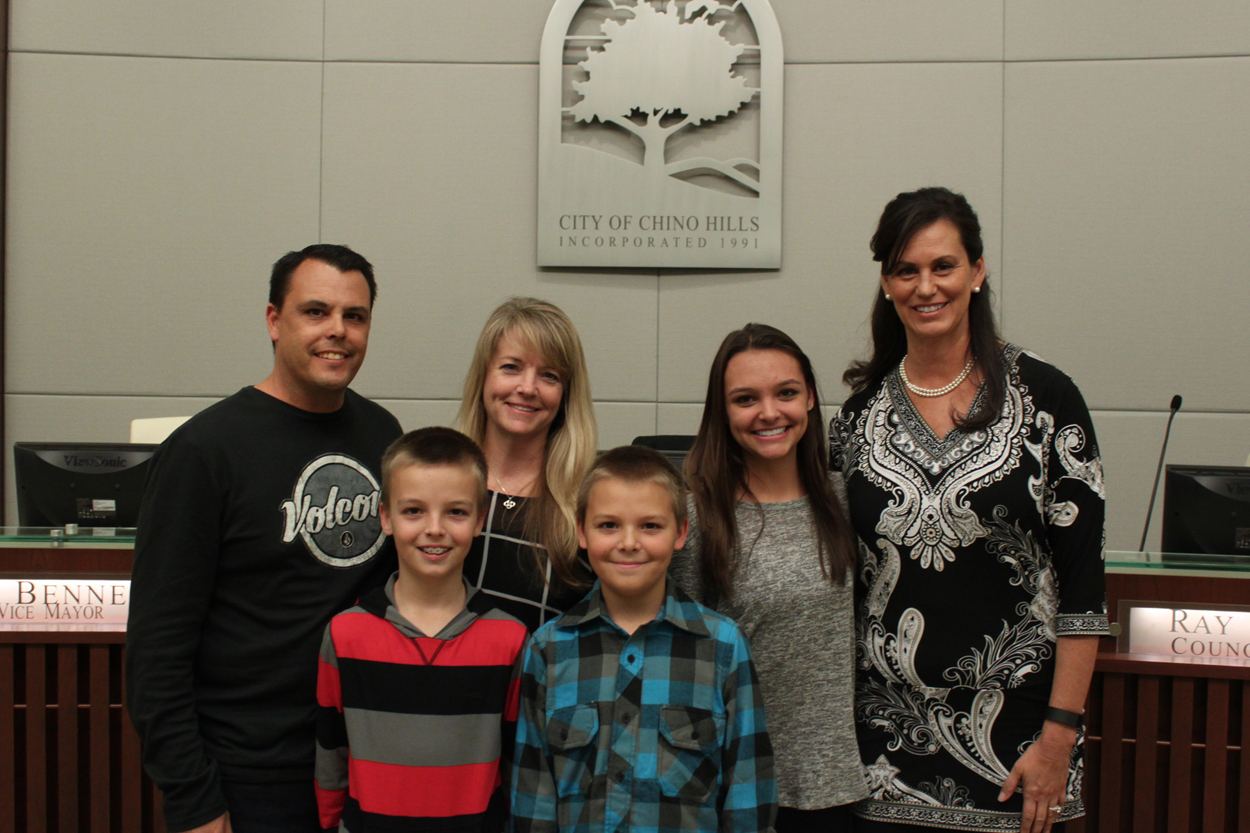 Holiday Home Decorating Contest Winners - The Pettengill Family